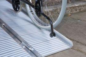 Rampa mobila pliabila 213 cm pentru scaun cu rotile si persoane handicap din aluminiu