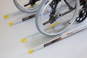 Rampa mobila telescopica pentru scaun cu rotile si persoane cu dizabilitati 2440 mm