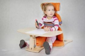 """Scaun terapeutic """"Nook""""pentru copii cu dizabilitaţi"""